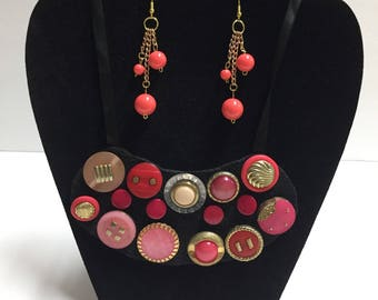 Bib necklace with metal buttons  (Small)
