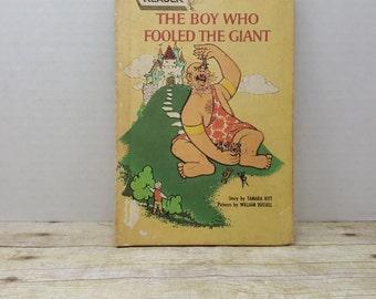 The Boy Who Fooled the Giant, 1963, Tamara Kitt, William Russell, vintage kids book, Wonder books Easy Reader