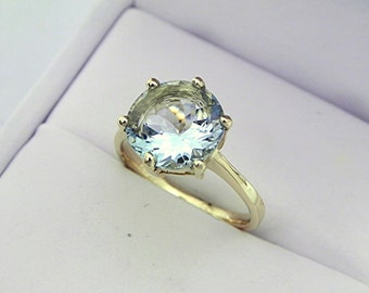 AAAA Aquamarine   10mm  3.20 Carats   14K Yellow gold Engagement Solitaire ring.    1604