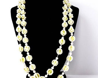 Vintage Bead Necklace- Vintage Yellow and white Necklace- Vintage Lucite Necklace- Gift For Her- Mom Gift- Fashionista Gift