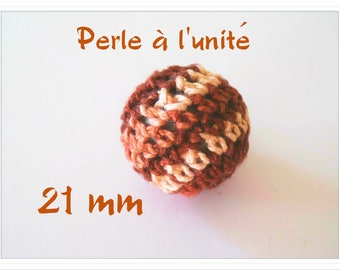 1 large two-tone Brown and Ecru 21 mm Crochet beads
