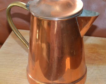 ANTIQUE COPPER TEAPOT.. Brass Handle..On bottom:  Made in Portugal..R 97 Great Vintage Cond.