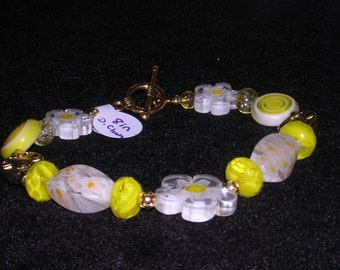 Daisy Chain Bracelet (B31)