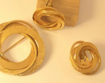 Gold Filled 12k  Gold triple Circle Pin  and matching clip on earrings