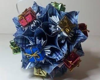 Small Kusudama Flower Ball Ornament (Presents V7)