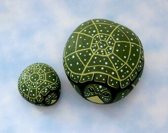 Painted pet rocks green spotted turtle spring garden decor yard art patio container garden accent gift for him Fathers Day 3D glow SHIP FREE