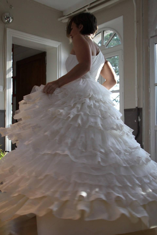 Hochzeit Kleid aus Tüll und Stickerei Creme Hochzeit Kleid