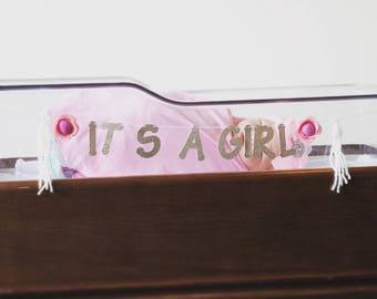 Its a girl newborn hospital gold glitter banner with felt flower