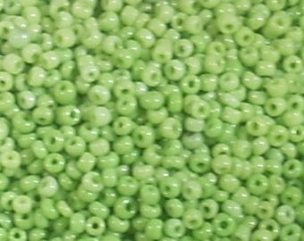 10 grams seed beads green clear glass round 2mm