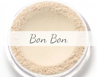 "Mineral Wonder Powder Foundation Sample - ""Bon Bon"" - very light shade with a pink undertone - vegan makeup"