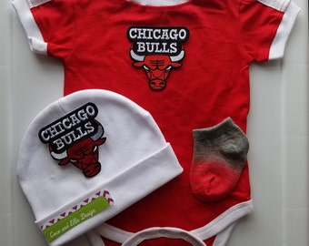 Chicago  bulls baby outfit/chicago bulls baby shower gift/bulls baby/baby chicago bulls/newborn chicago bulls