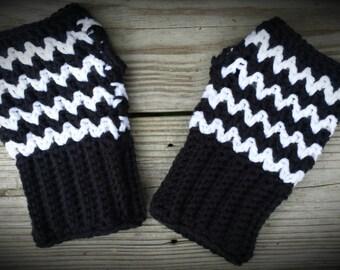 Wavy V-Stitch Fingerless Mitts pdf crochet pattern - instant download