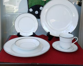 RARE Sakurai Designer Collection Fine China Castle Pattern White With Platinum Rings Made in Japan Hard-to-find Four 5 Piece Place Settings