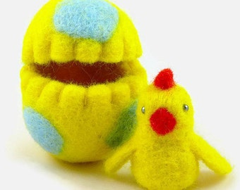 Felted Easter Chick in an Easter Egg, Yellow Easter Ornament, Easter Gift for Kids, Wool Felt Decoration, Living Room Decor, Hollow Egg