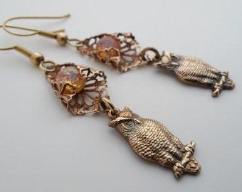 Fire Opal owl earrings, glass opal earrings Owl jewelry, Art Nouveau filigree jewelry, dangle drop brass earrings, gift for woman, woodland