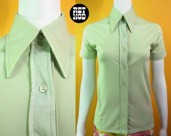 ICONIC Vintage 70s Pastel Green Short Sleeve Shirt with Pointed Collar