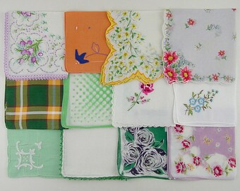 Vintage Hanky Lot,Vintage Lot of Handkerchiefs,One Dozen Assorted Vintage Hankies (Lot #O11)