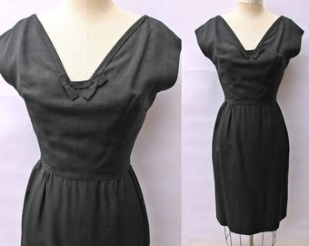 Vintage 50s Black BOW Bust CLASSIC Rayon Pin Up Wiggle Dress LBD s/m