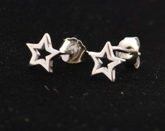 Shine Bright Petite Open Star Cut out Pattern Stud Earrings in Sterling Silver Polished Finish e65