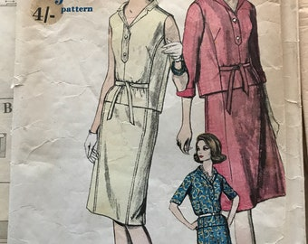 Vintage Vogue Sewing Pattern 5568 from 1961 size 14 Two piece dress