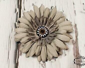 Grey Daisy Flower Hair Clip / Hair Clip / Baby Hair Clip / Toddler Hair Clip / No Slip Clip