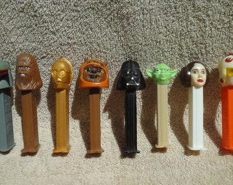 8 STAR WARS PEZ Candy Dispensers