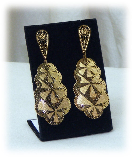 GOLD PLATED DANGLE Earrings Made of Stainless Steel