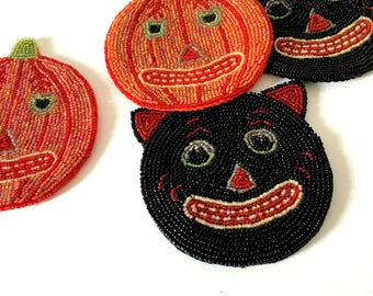 4 beaded halloween coasters