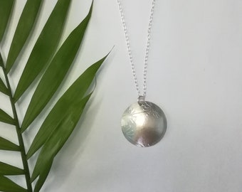 Domed Silver Necklace with Cartwheel-Flower Pattern|Silver Jewellery|Necklaces.