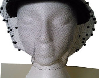 Vintage lovely black straw hat veil 1950  50s
