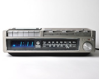 Unique - General Electric - Cassette tape, Clock Radio, Alarm Clock - 1970s