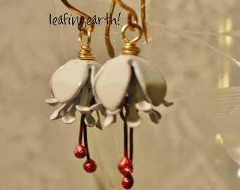 enamel flower earrings WHITE FUCSHIA