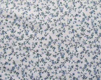 Free Shipping! Vintage Blue and White Calico, Peter Pan Fabrics. 1/2 Yard. 16217