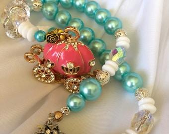 Cinderella necklace. Cinderella carriage. Princess costume jewelry. Cinderella charm necklace. Pumpkin carriage charm. Fairytale jewelry