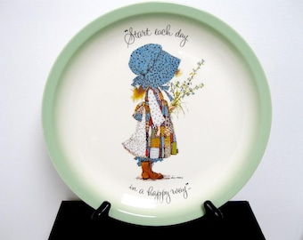 Vintage 1972 Large Decorative Holly Hobbie Wall Decor Plate