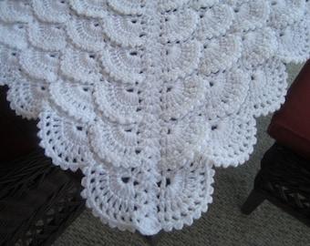 Handmade baby blanket. White baby blanket. Crochet baby blanket. Lace crochet baby blanket.