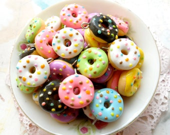 25pcs Assorted Donuts - Wholesale bunch