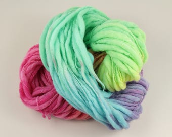 Super Chunky British Bluefaced Leicester wool thick-and-thin yarn 100g – 'Fairy Dust' pastel rainbow