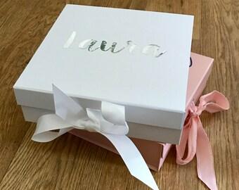 Luxury medium gift box, Bridesmaid box, Bride box, Gift box, Birthday box, New baby box, Baby shower box, Keepsake box, Gift Box. Memory box