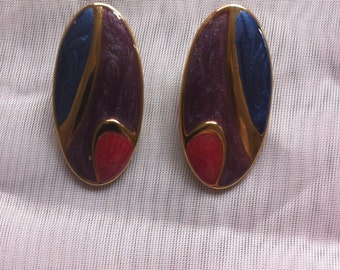 Oval Gloss Finish Pierced Earring With Gold Tone 1980's