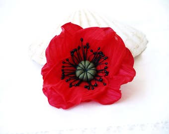 Red Poppy Brooch, Poppy Hair Clip, Flower for Hair, Red Flower Brooch, Floral Headpiece, Poppy Corsage Brooch, Gift For Her, Hair piece red