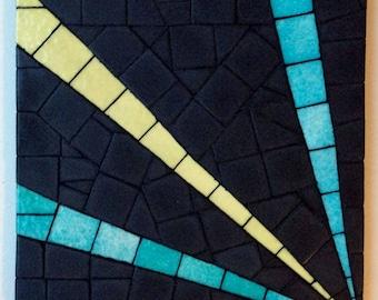 Rays pattern mosaic trivet.