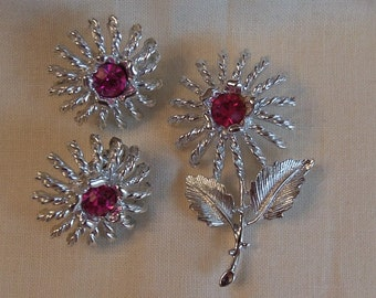Caroline Emmons Raspberry Susan Clip Earrings 2642 and Pin Set    Vintage, Silvery, Flower, Pink