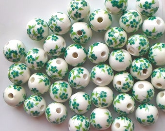 20 X Stunning Green Hand Printed Round Porcelain Ceramic St Patrick Flower/Floral Beads 12mm P13