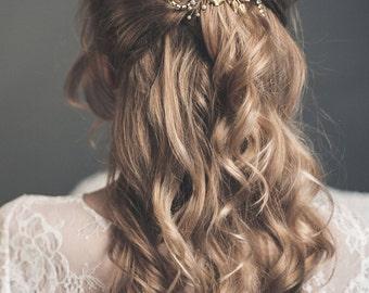 Flower comb - Bridal headpiece - Gold wedding hair comb - Bridal hair comb