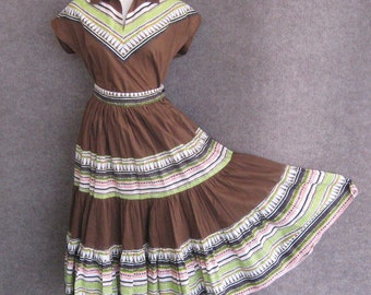 40s 50s Squaw Dress Vintage 2 Piece Brown Patio Set, Southwestern Print Cotton Full Tiered Skirt & Blouse, Alpha Sportswear Tucson, Bust 34