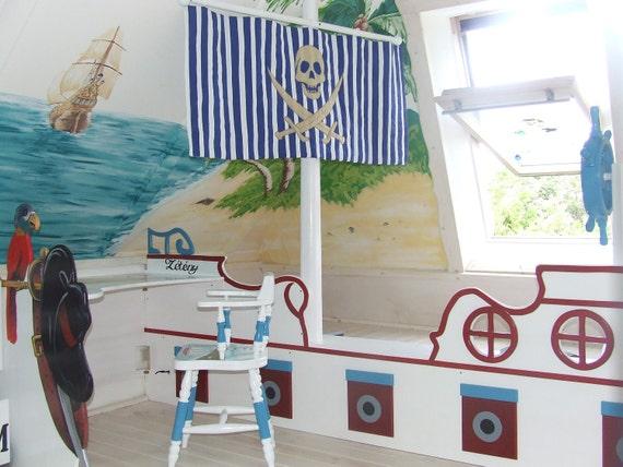 Skull banner, Little Boy's Nautical/Pirate Bedroom HET