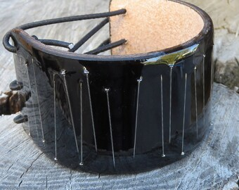 straight pins resin and leather stretchy cuff in black