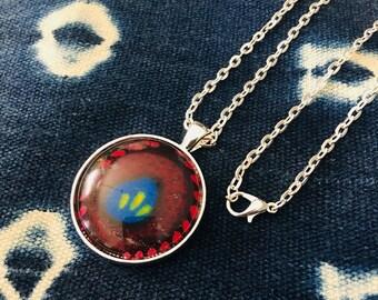 Nek-lace - Necklace - African inspired - circle pendant - versamel (gather)