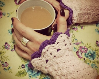 Why is Violet Blushing? Crochet Wrist Cuff Pattern